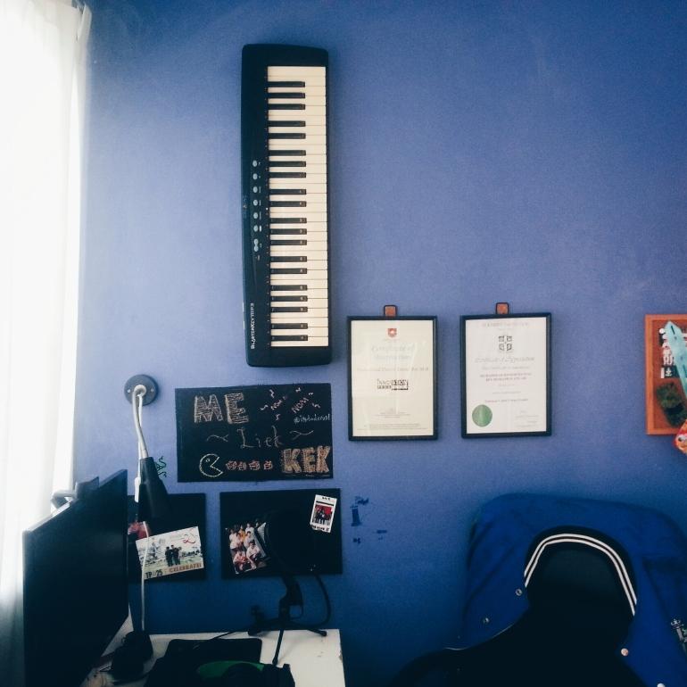 Turned my room into a mini music studio haha!