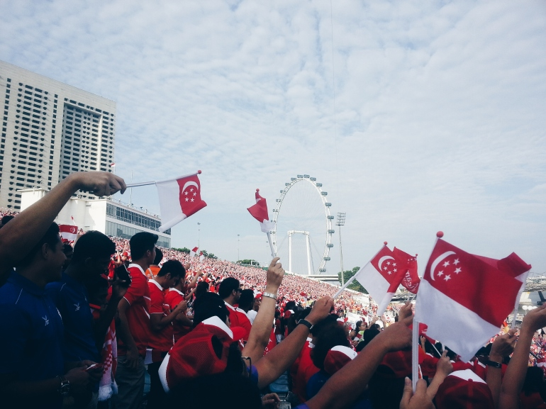 Wave your flags in the air!